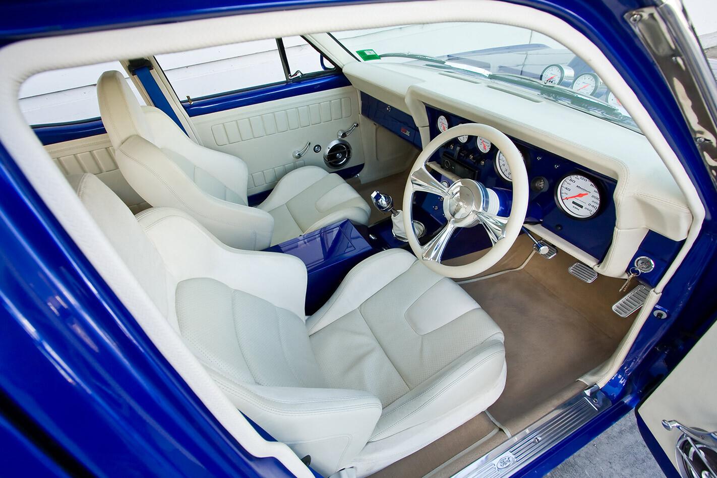 Ford XY Falcon interior front