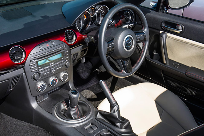 Mazda MX-5 NC interior