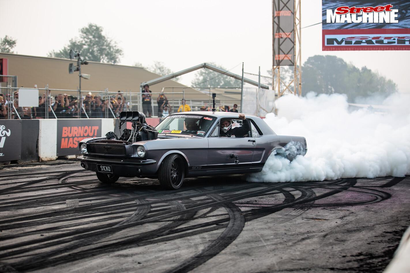 S1CKO Mustang burnout car