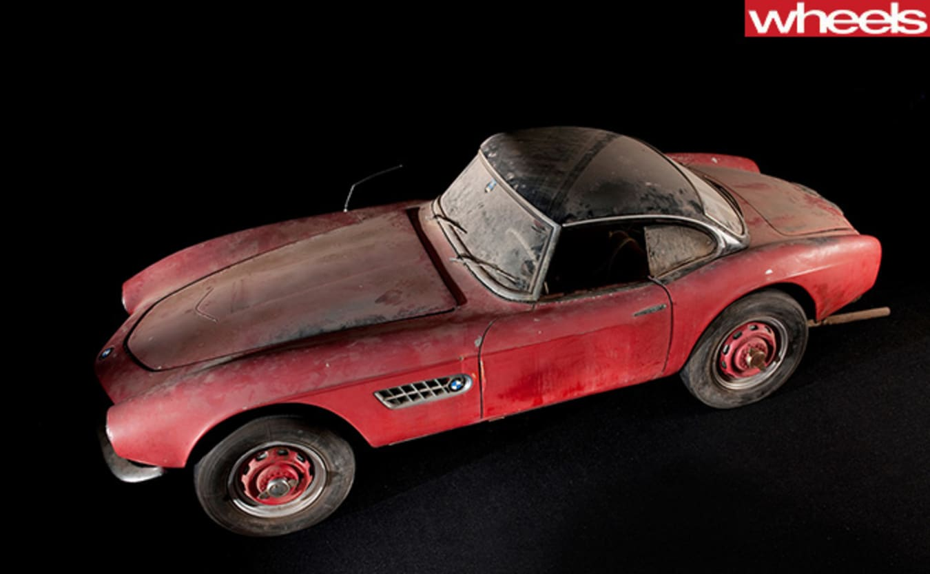 Classic -red -BMW-507