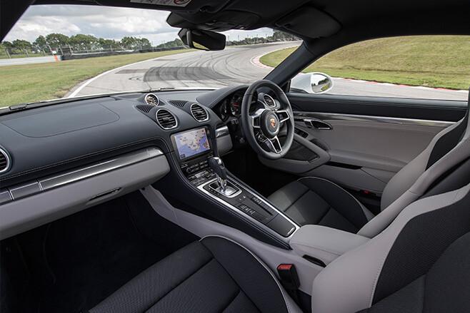 Porsche Cayman 718 interior