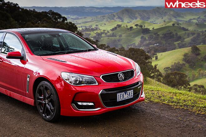 Holden -Commdoroe -front