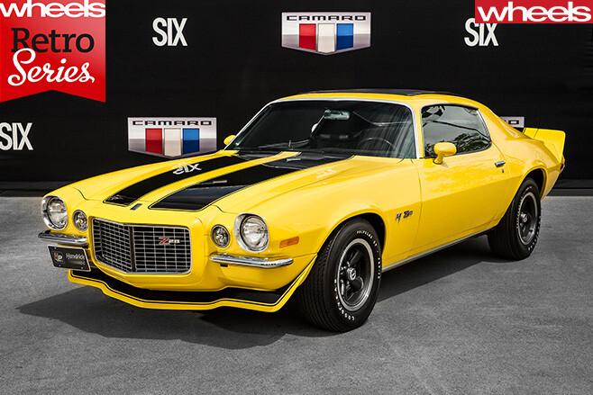 1970-Chevrolet -Camaro -yellow -front -side