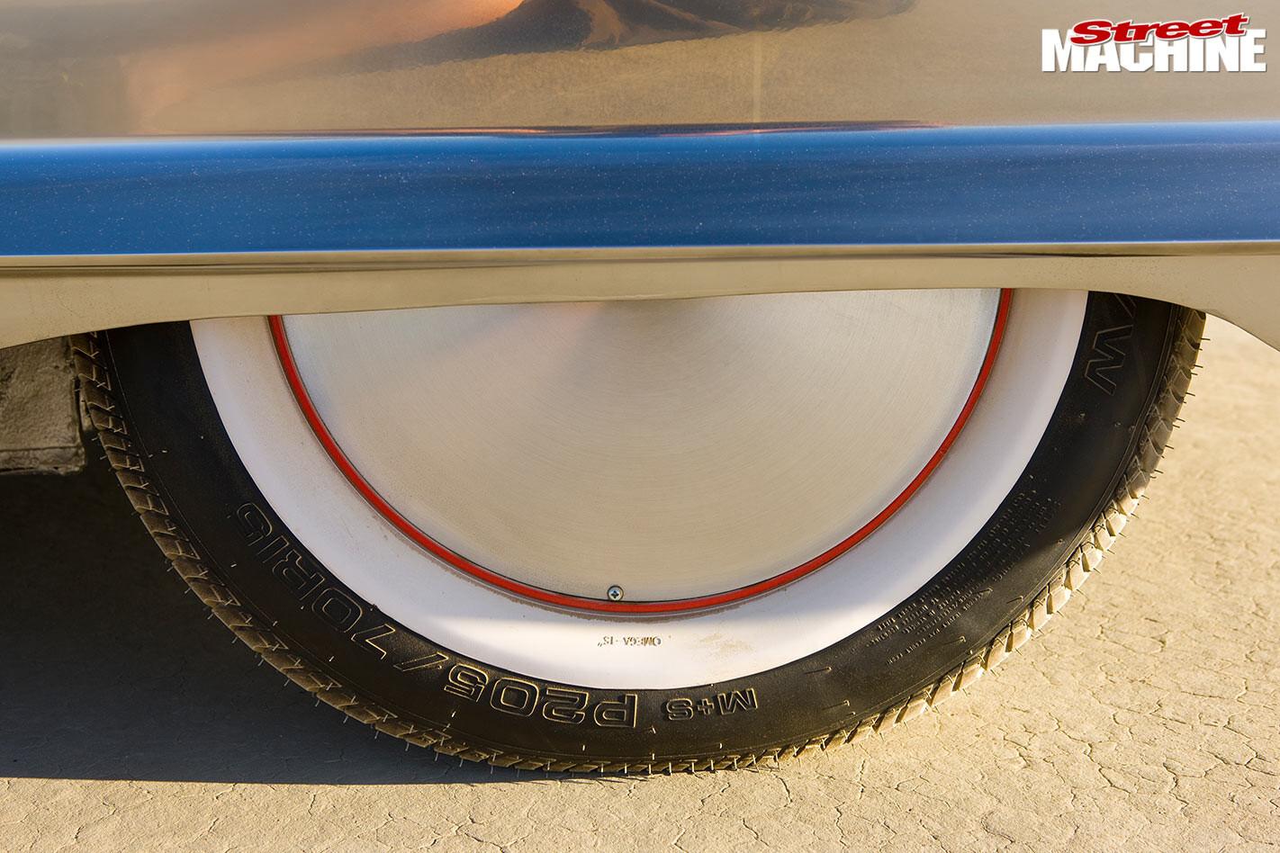 Ford Thunderbird wheel
