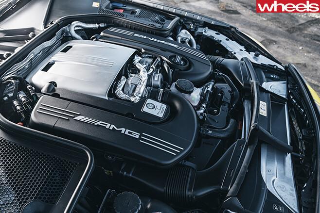 Mercedes -AMG-C63-engine