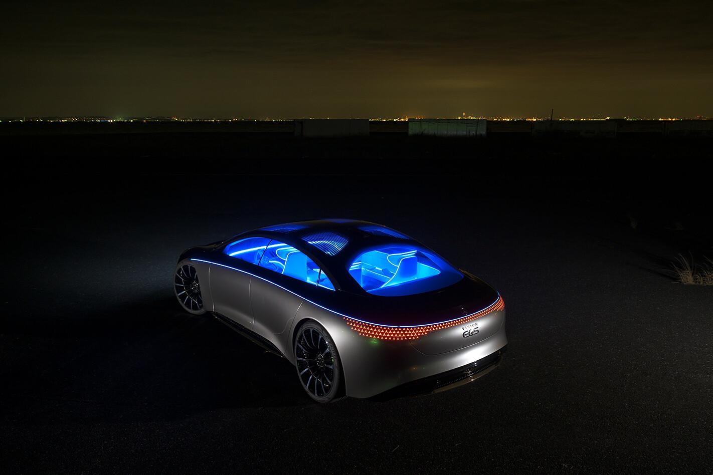 2020 Mercedes-Benz EQS concept - illuminated cabin