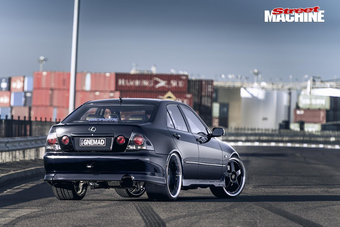 Lexus -IS200-rear