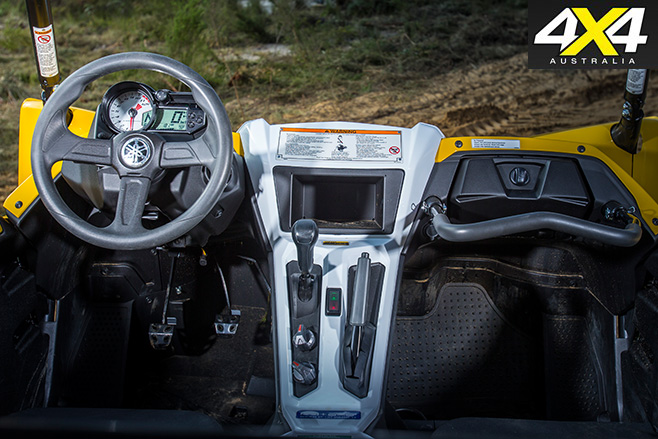 Yamaha YXZ1000R interior