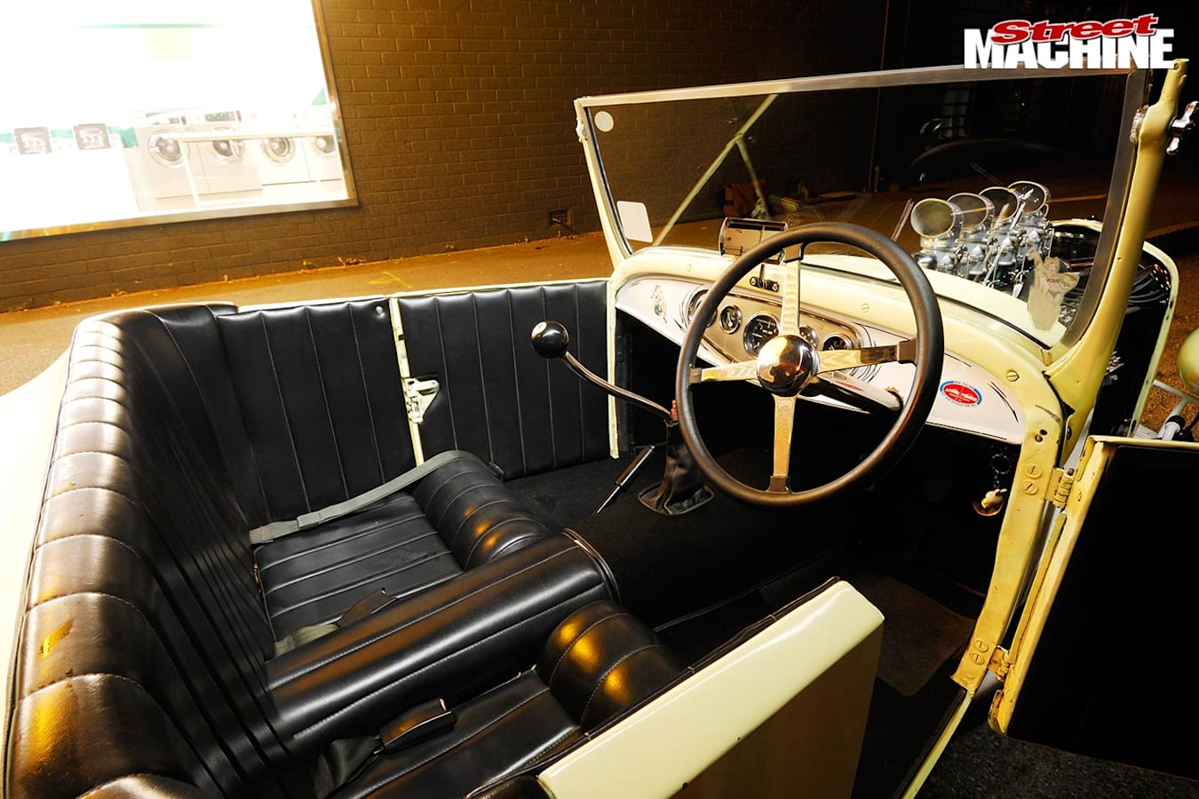 1927 Ford T Roadster interior
