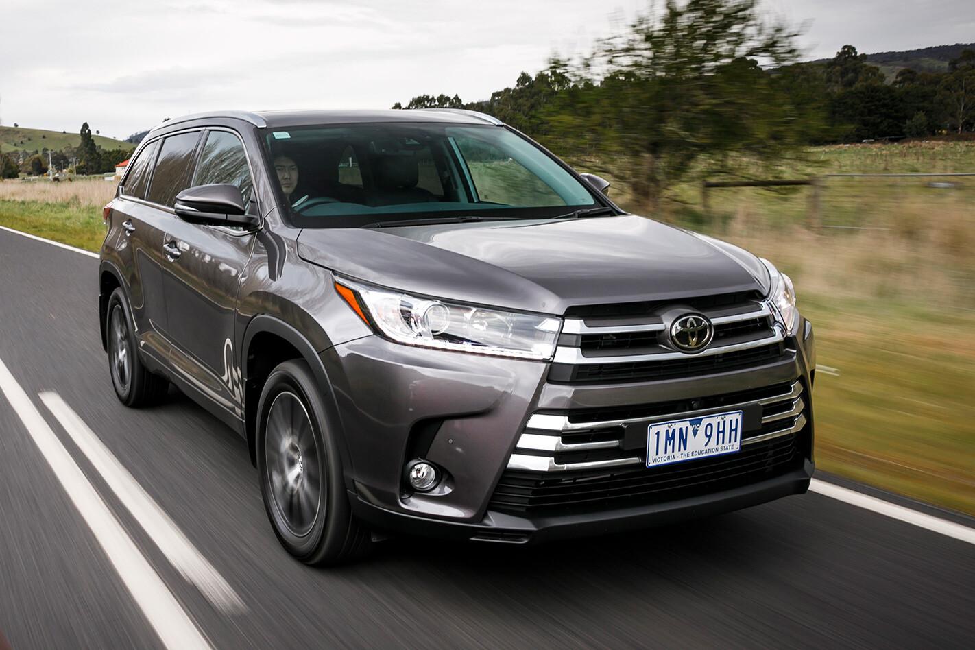 Toyota Kluger Qtr Roll Jpg