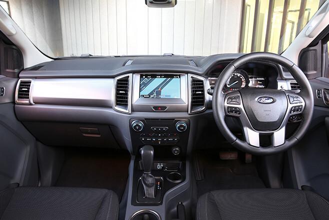 2017 Ford Everest interior