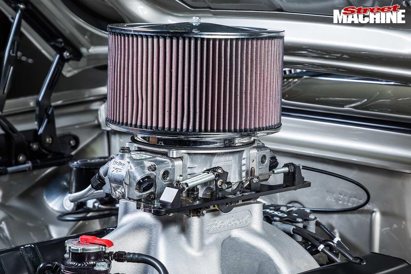 Holden HK Monaro GTS engine