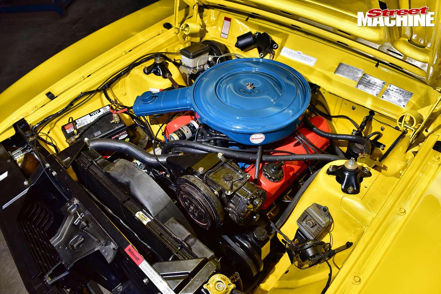 Ford XC Fairmont engine bay