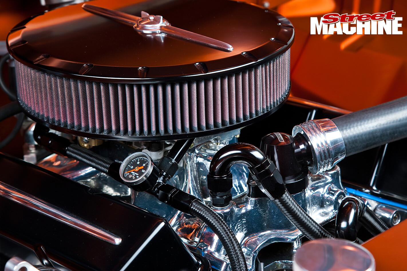 EJ-Holden -engine -detail -2