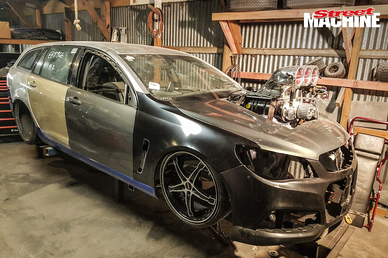 VF Commodore Wagon Supercharged Burnout Car