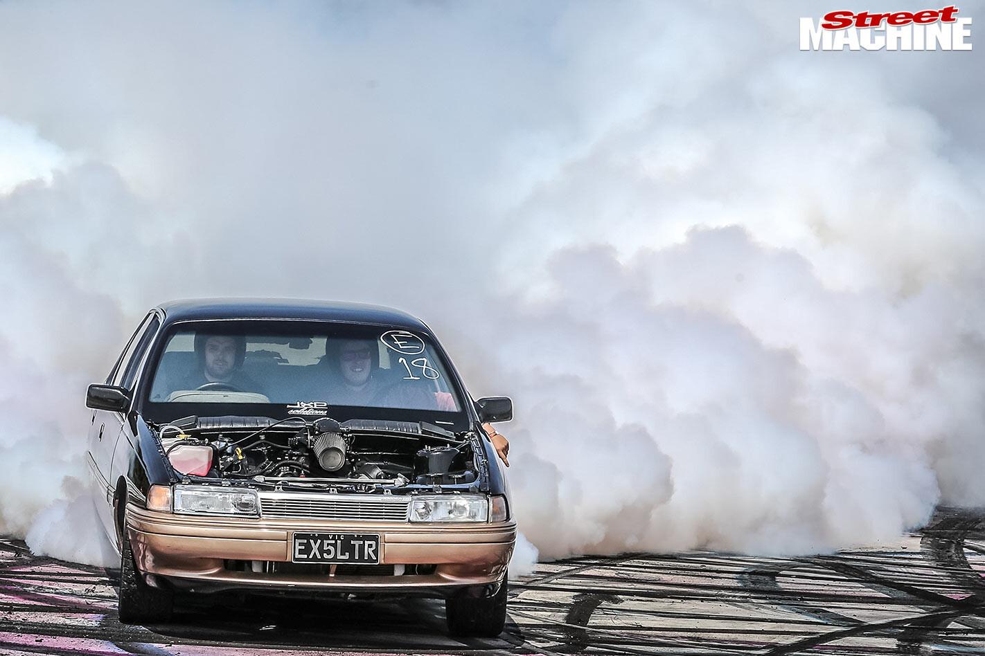 Holden VN Calais burnout