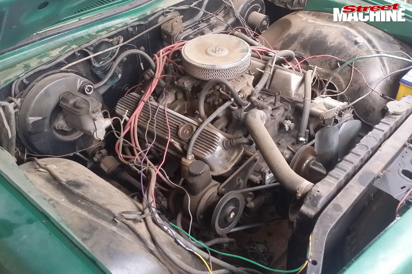 Holden HQ Kingswood engine bay