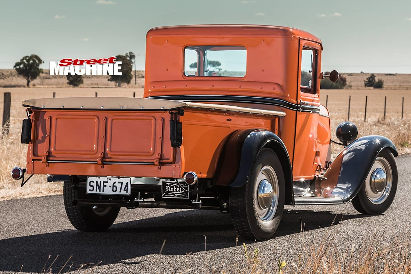 1932 Ford pickup rear