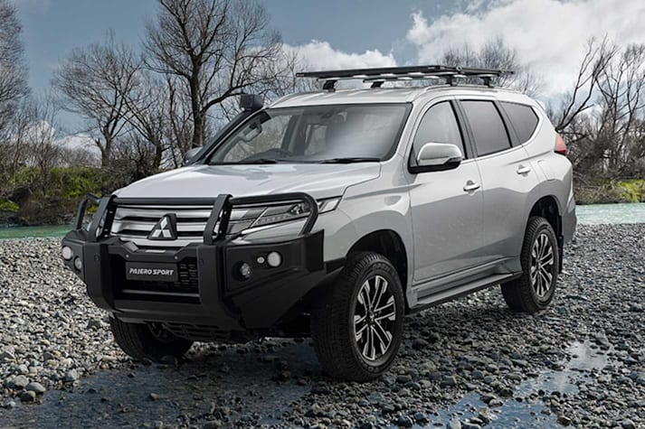Mitsubishi Pajero Sport off-road accessories