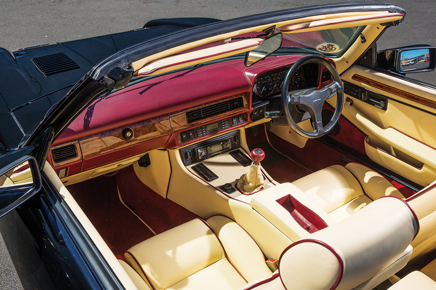 One off 522kW Lister Le Mans interior