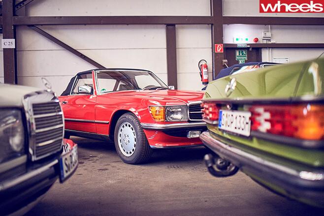 Mercedes -Benz -Classic -Car -Centre -side