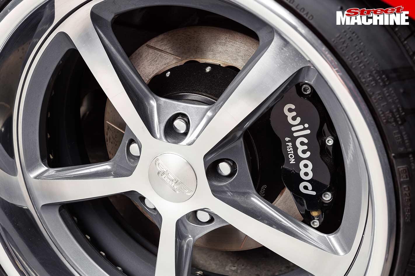 Chrysler VH Valiant Charger brakes