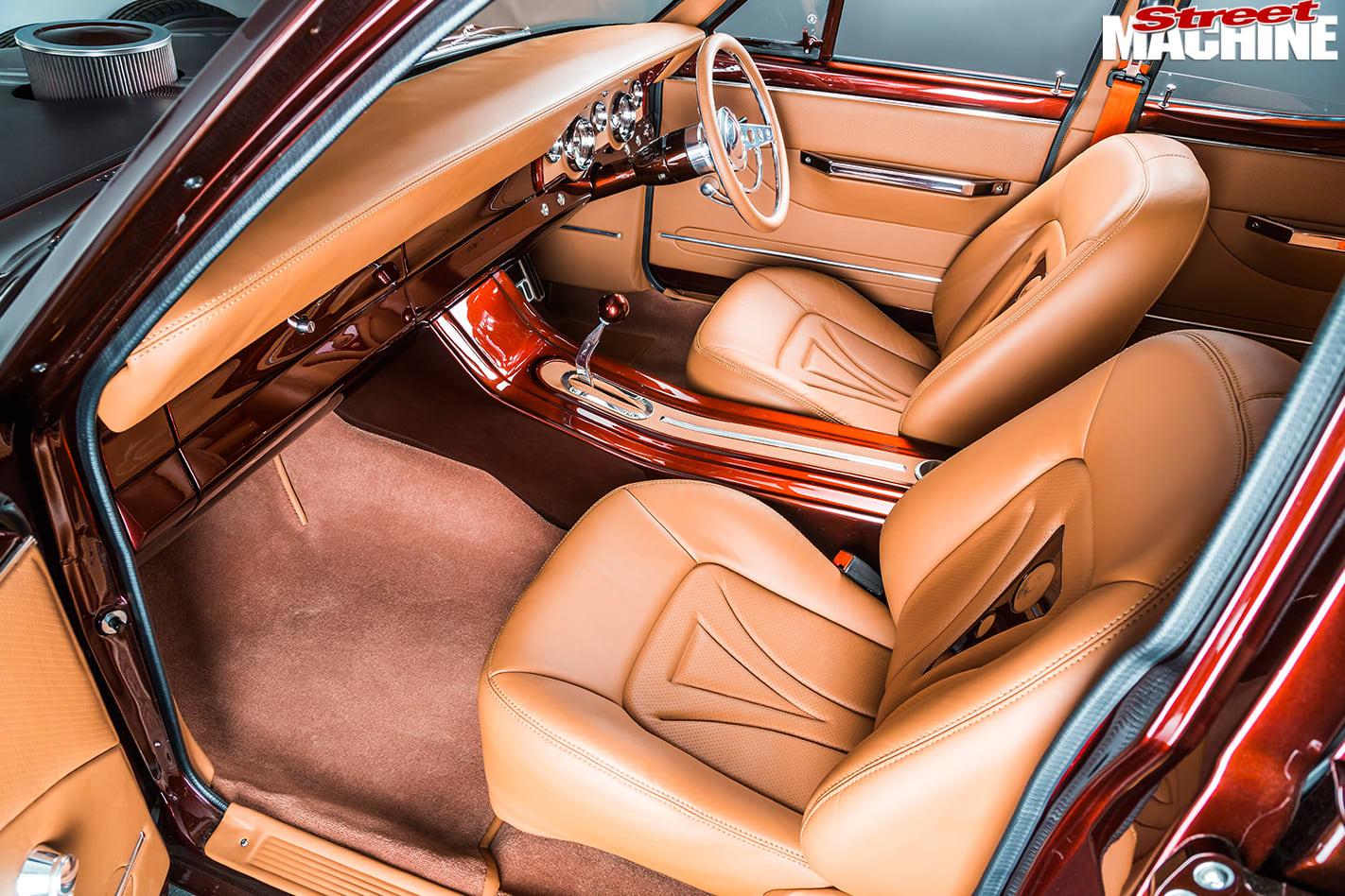 Ford -Falcon -XR-interior -front -2