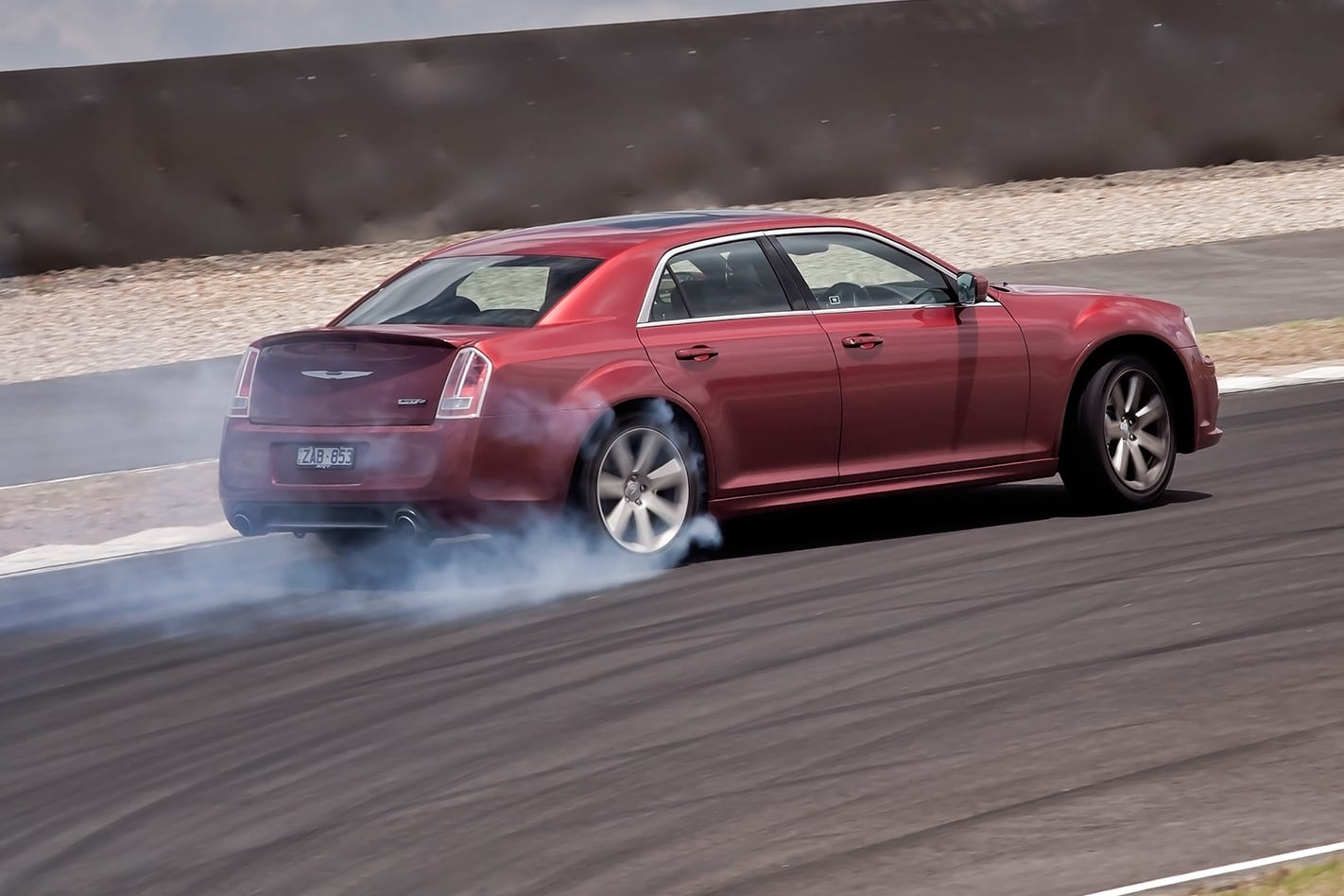 2012-Chrysler-300-SRT8-rear.jpg