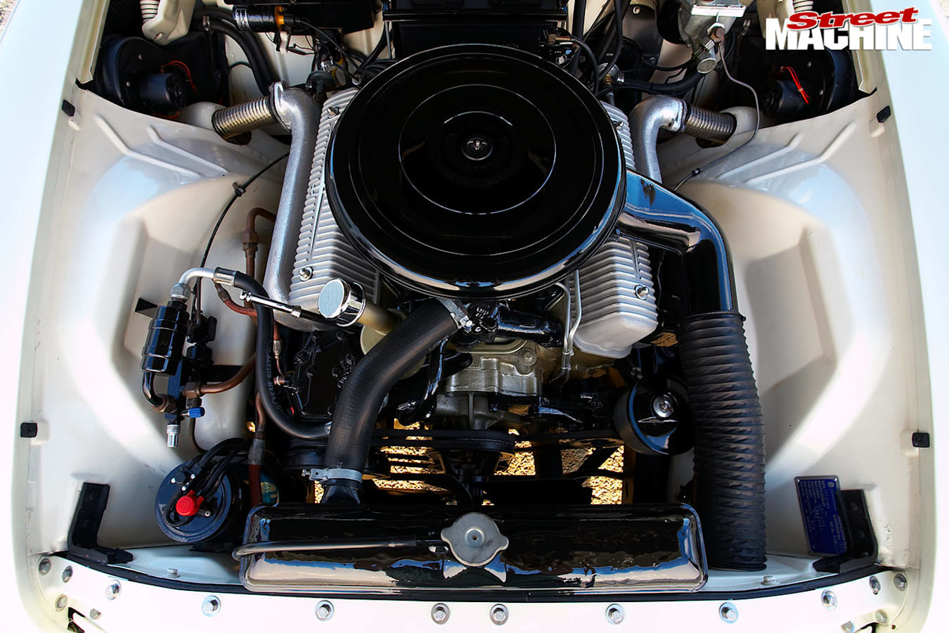 Lincoln by Ford engine bay
