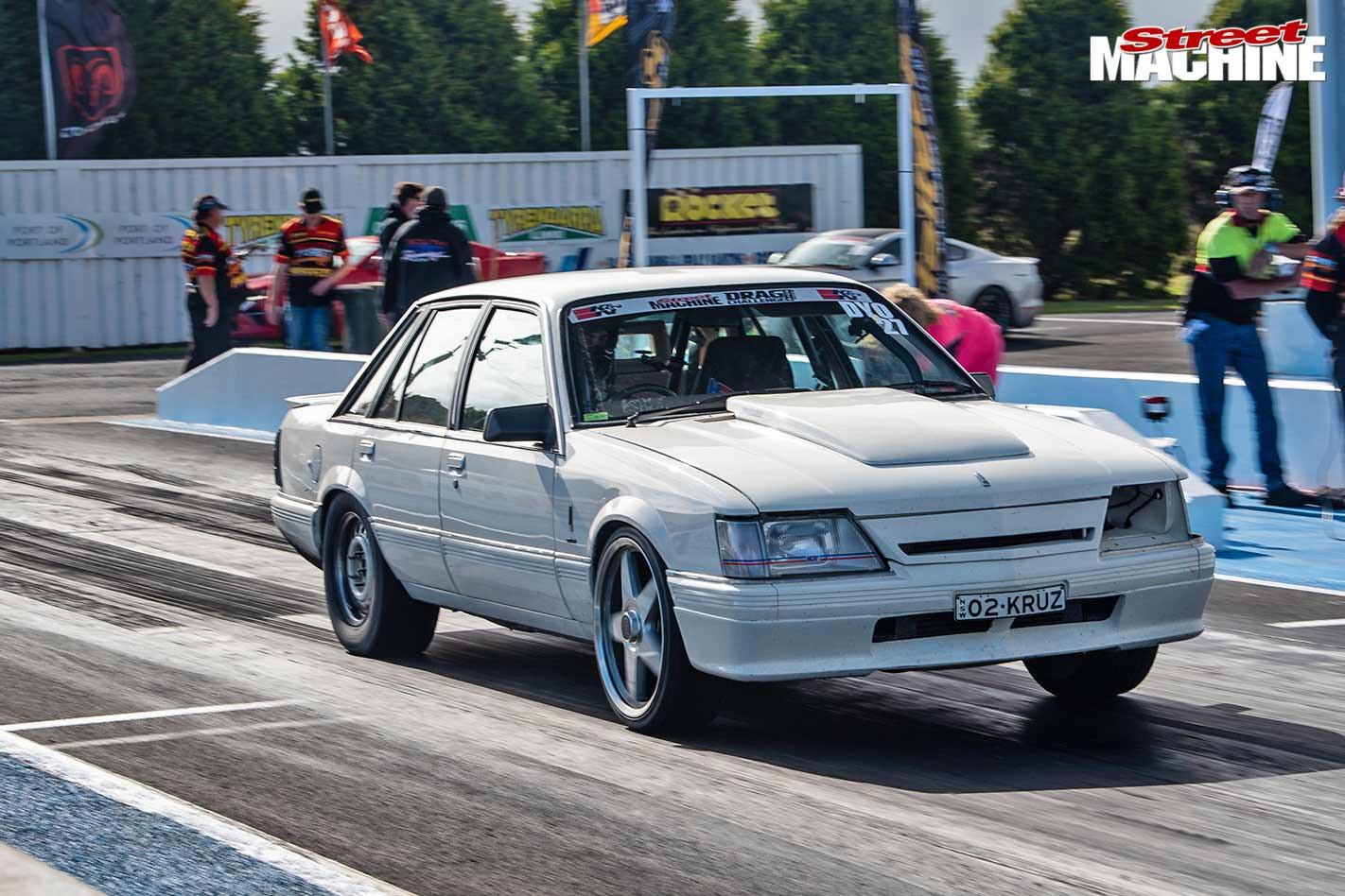 Holden VK Calais