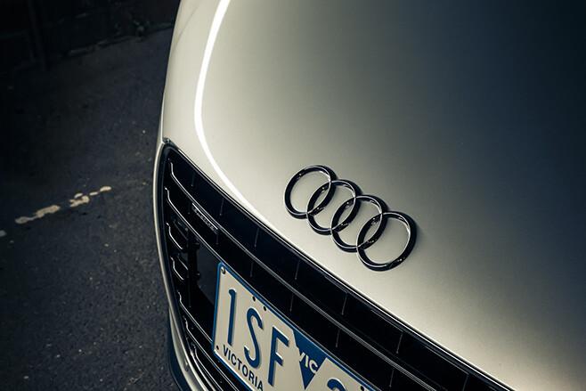 Audi R8 badge