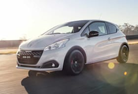 2018 Peugeot 208 GTi Edition Definitive performance review