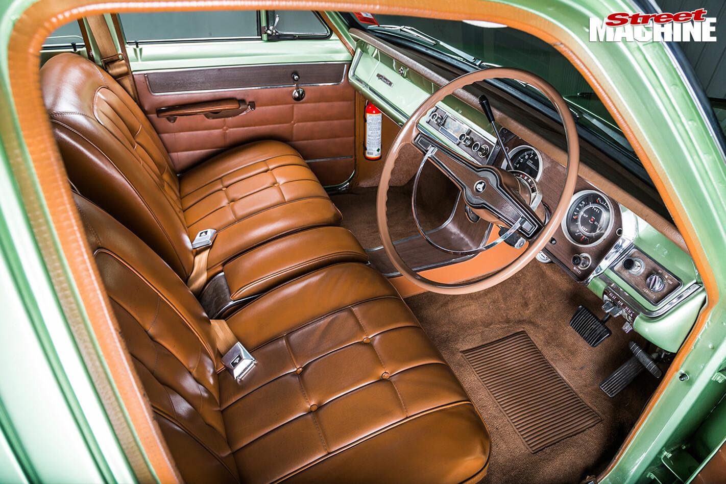 Holden -HR-interior -front
