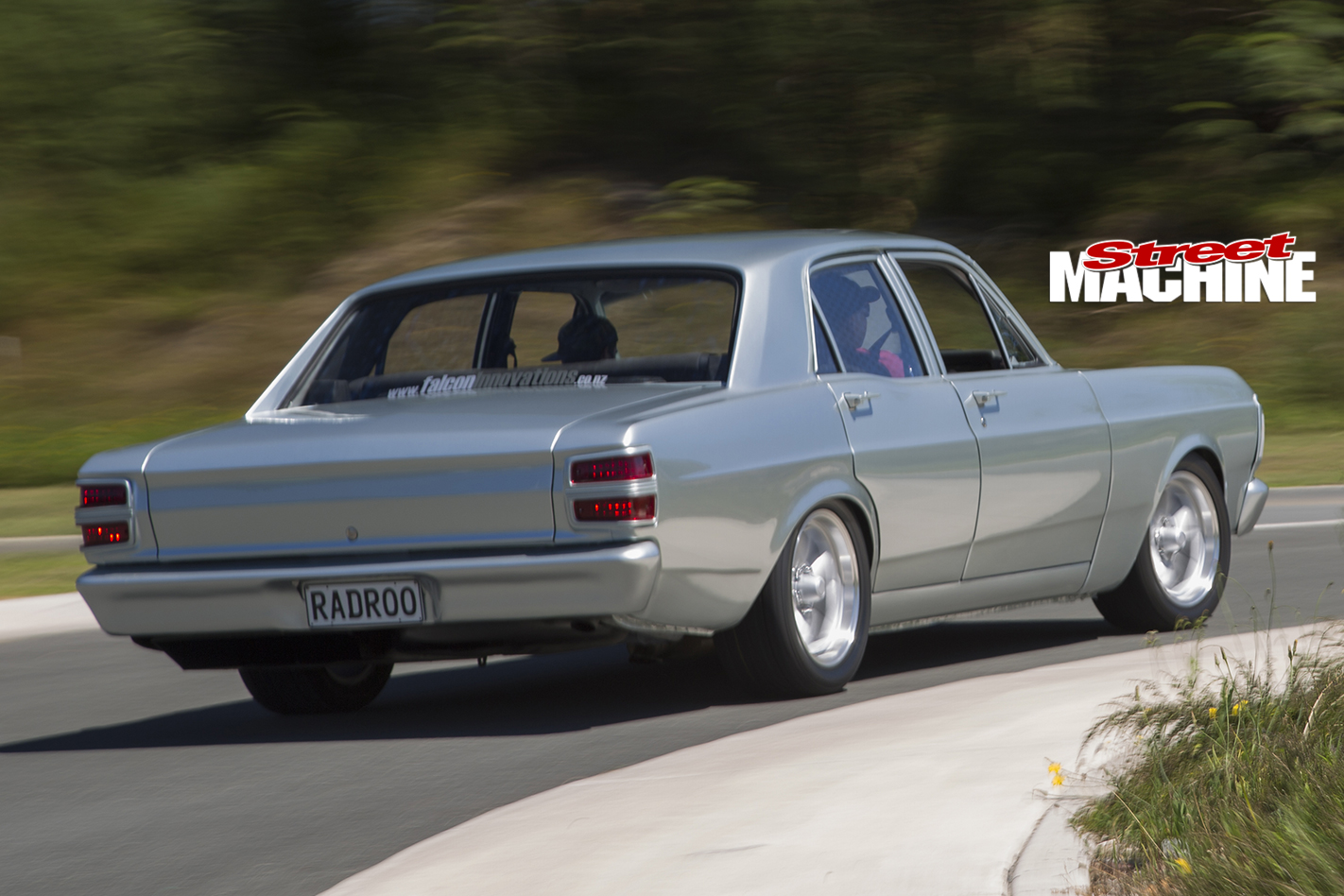 Ford -XY-Falcon -motion