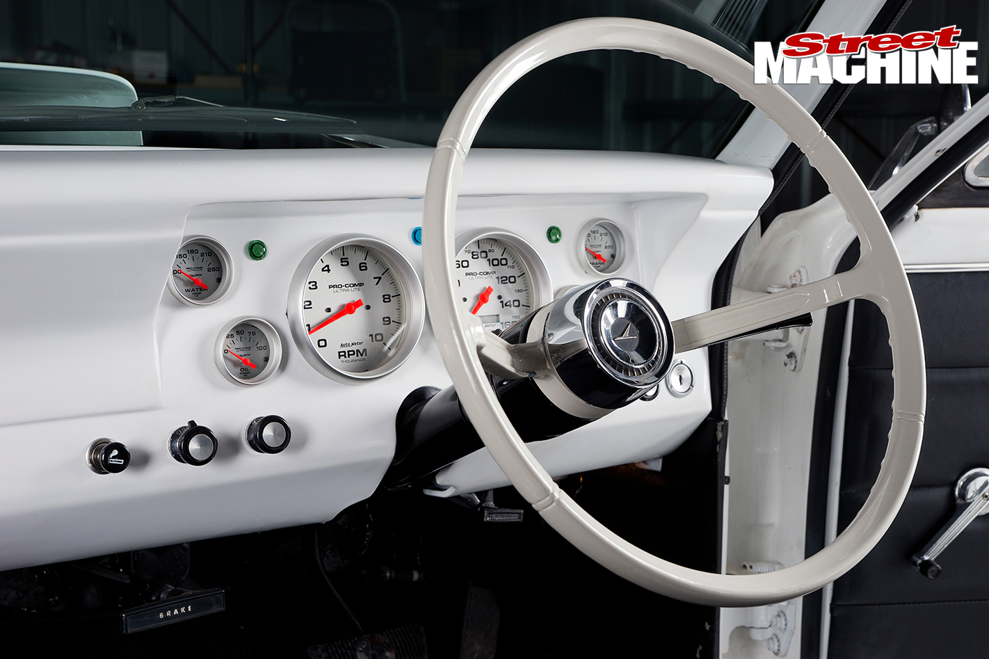 Ford -XR-Falcon -interior -steering -wheel