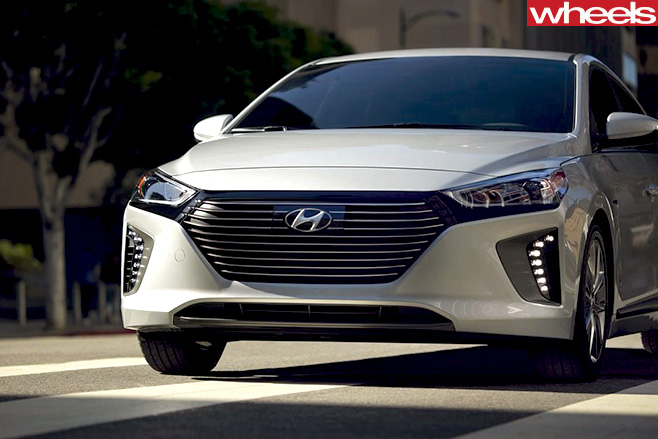 Hyundai -Ioniq -front -side