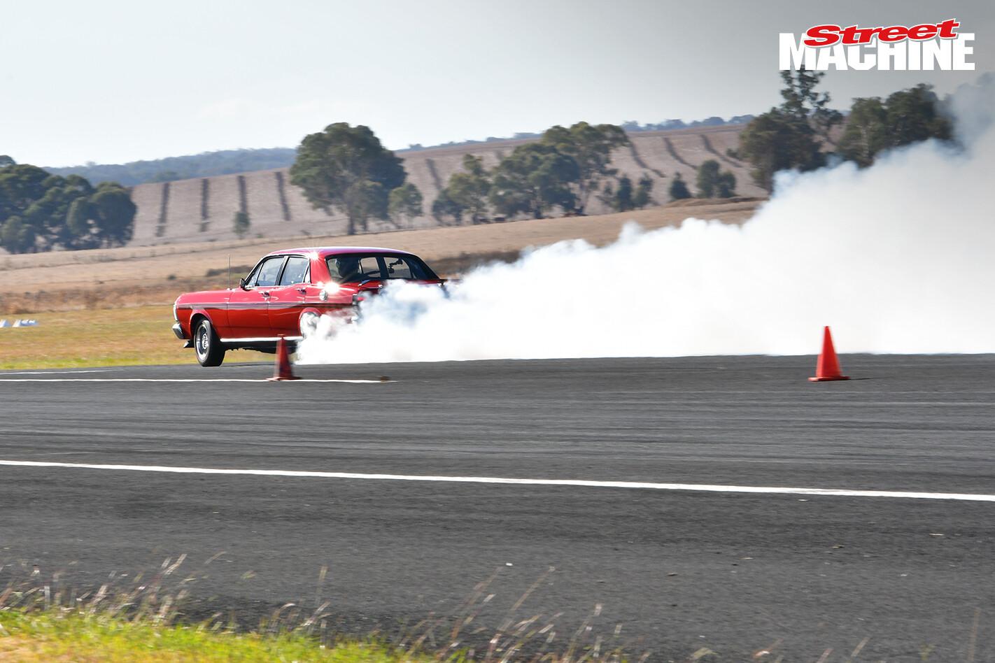 Xy Falcon Gt Burnout 2 Jpg