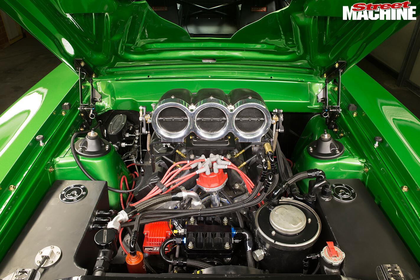 Ford -XA-Falcon -engine -bay