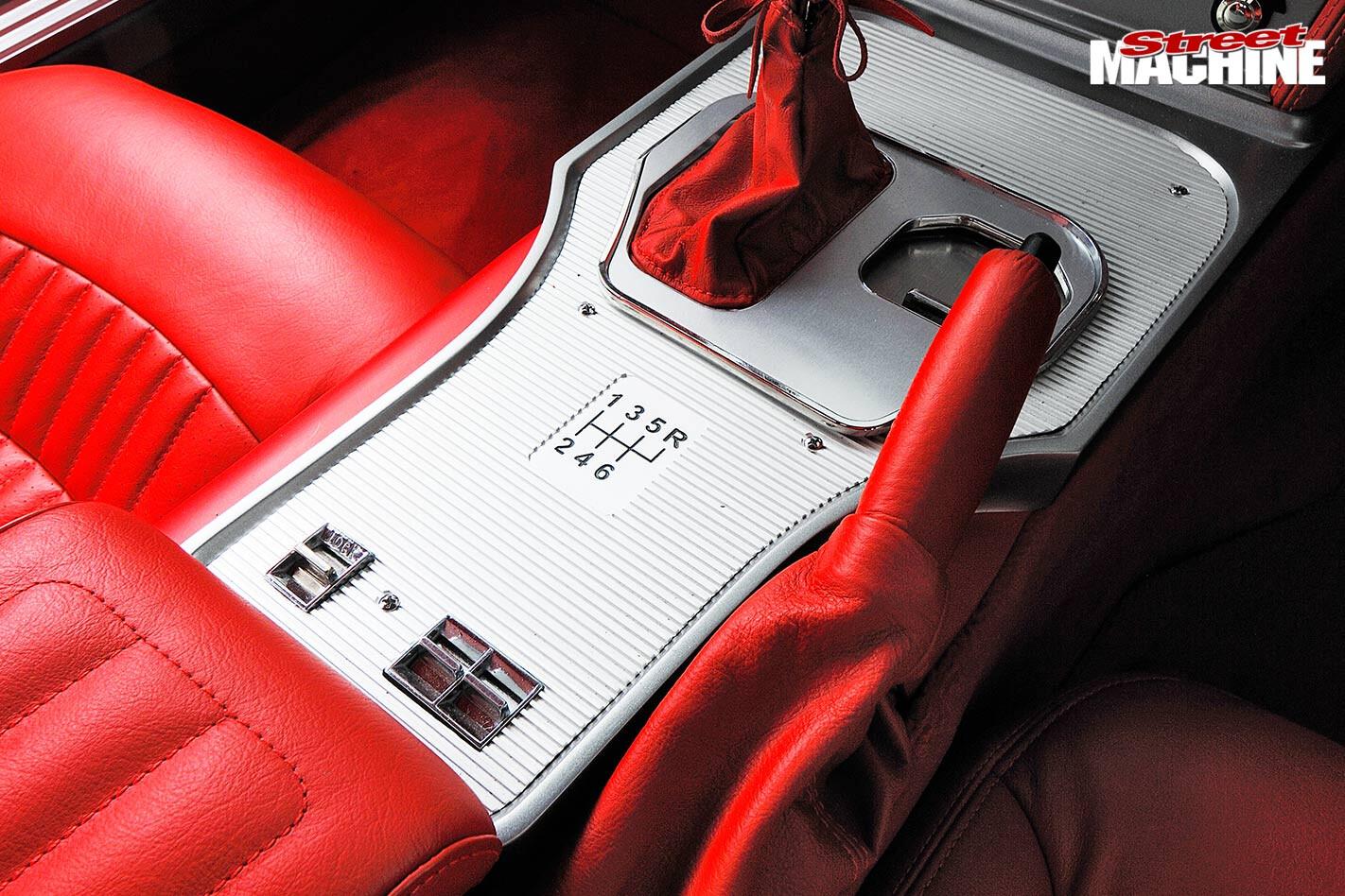 corvette console