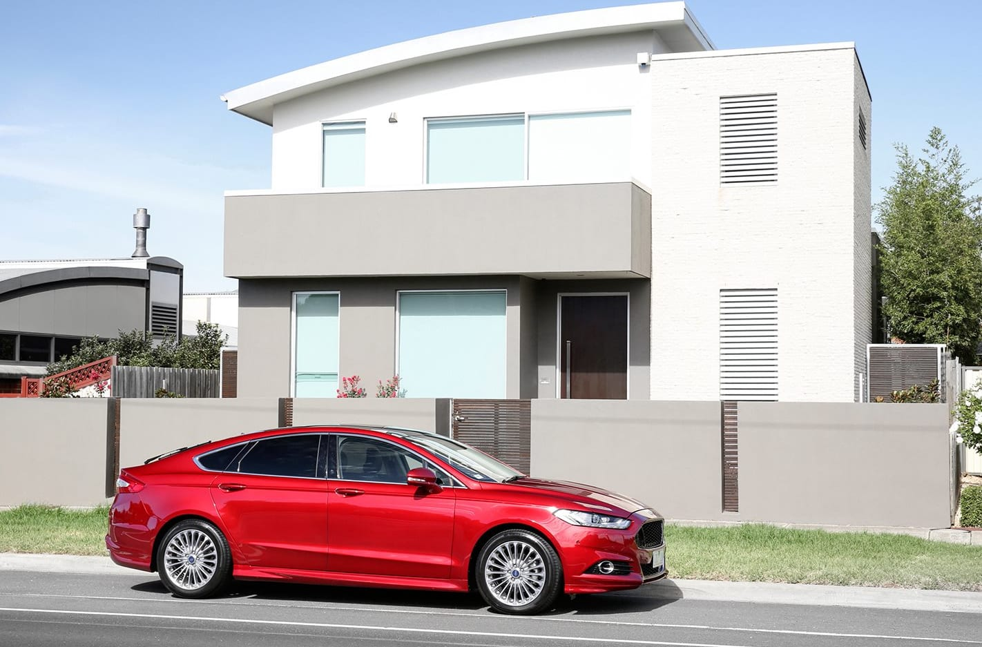 Ford Mondeo Side Jpg