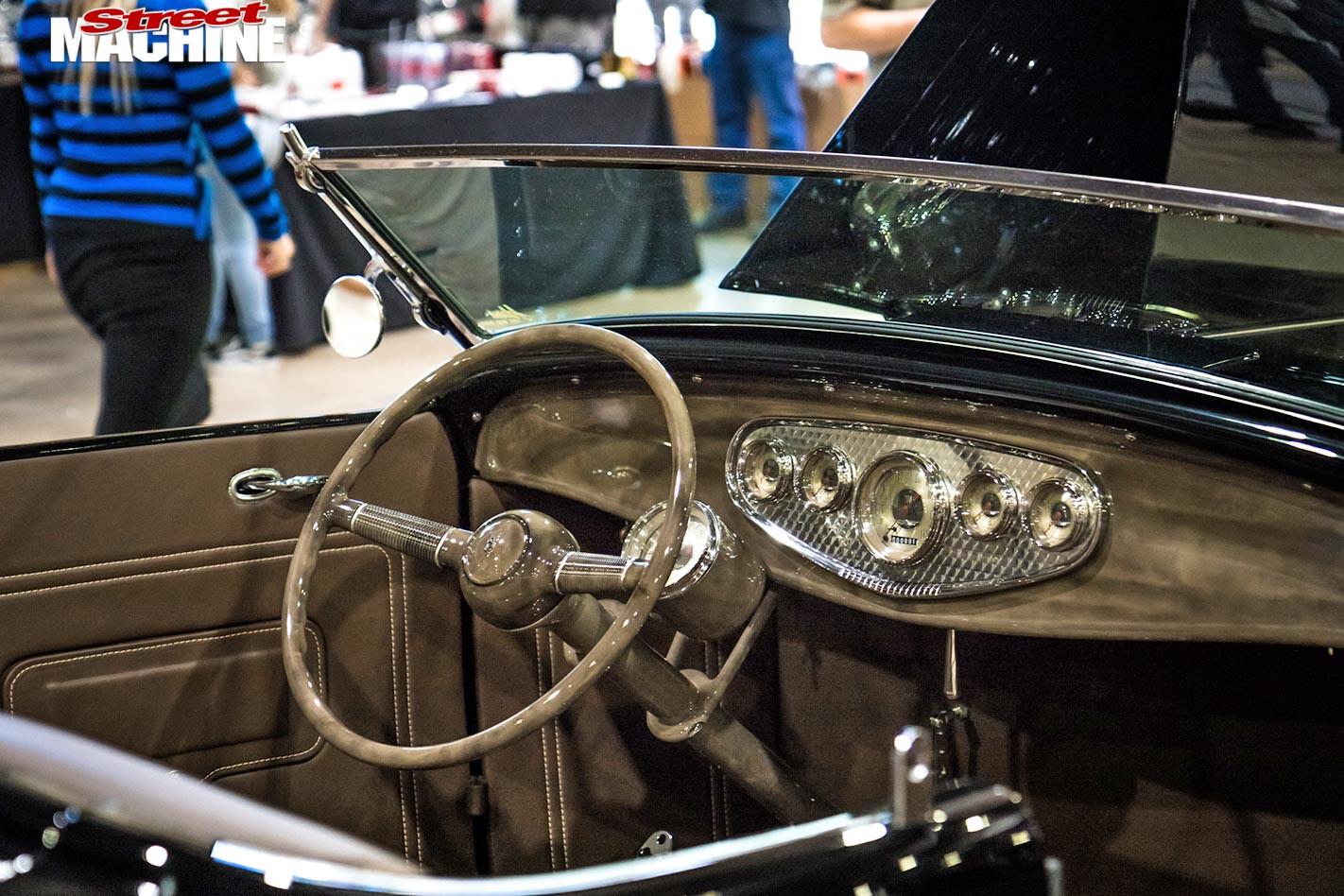 1932 Ford, Deuce One dash