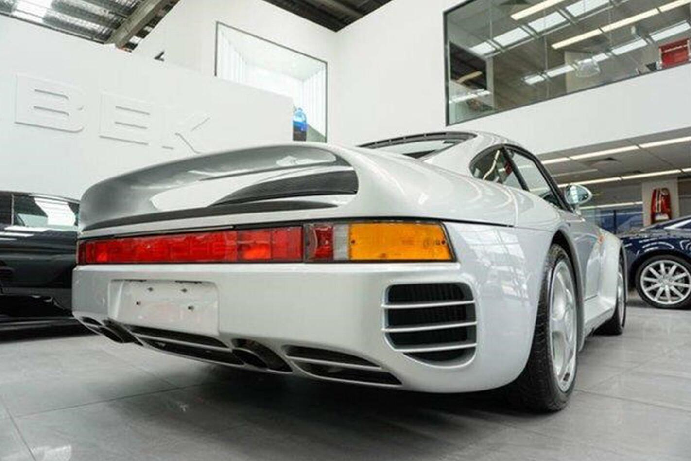 1988 Porsche 959 rear