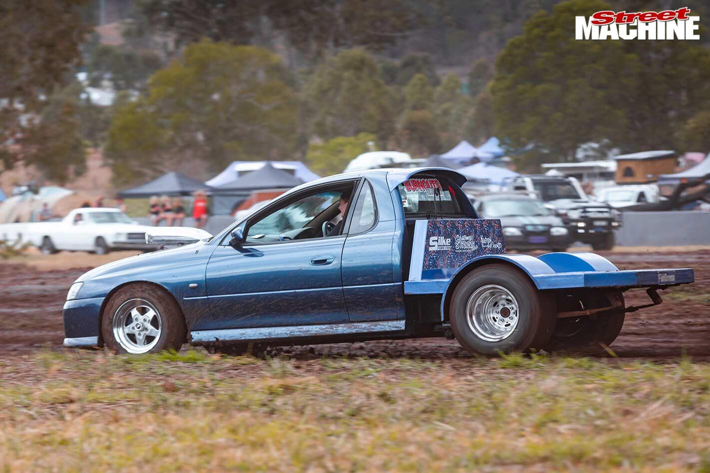Holden VZ one tonner