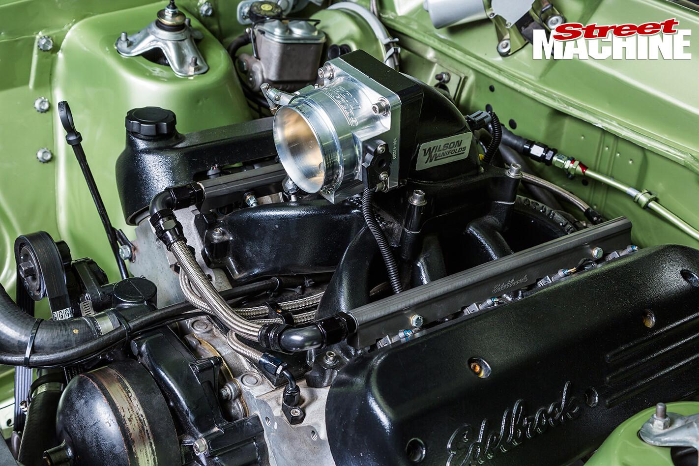 LS1-XW-Ford -Fairmont -GS-3-engine -manifold
