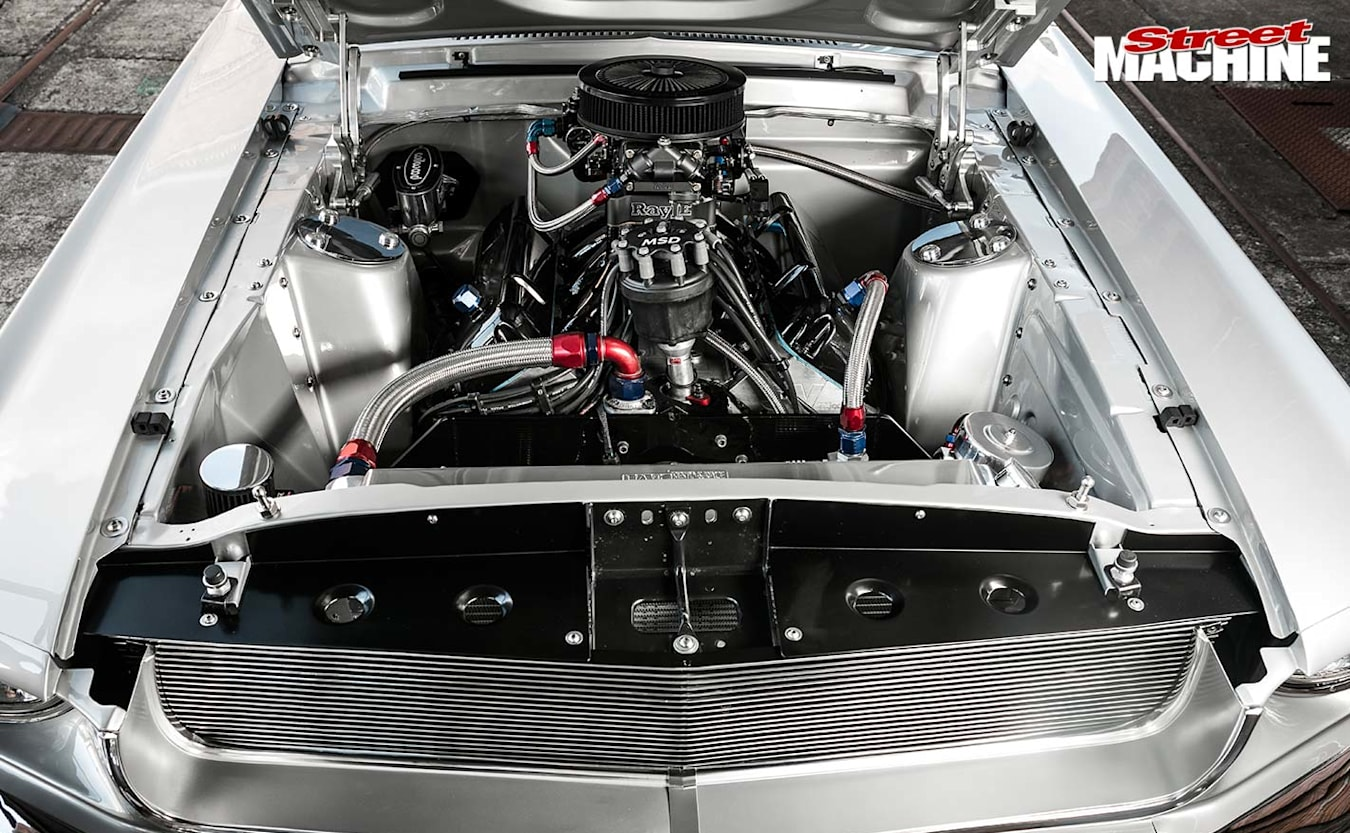 1968 Ford Mustang engine bay