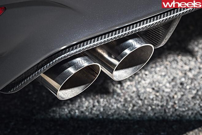 BMW-M4-GTs -exhaust