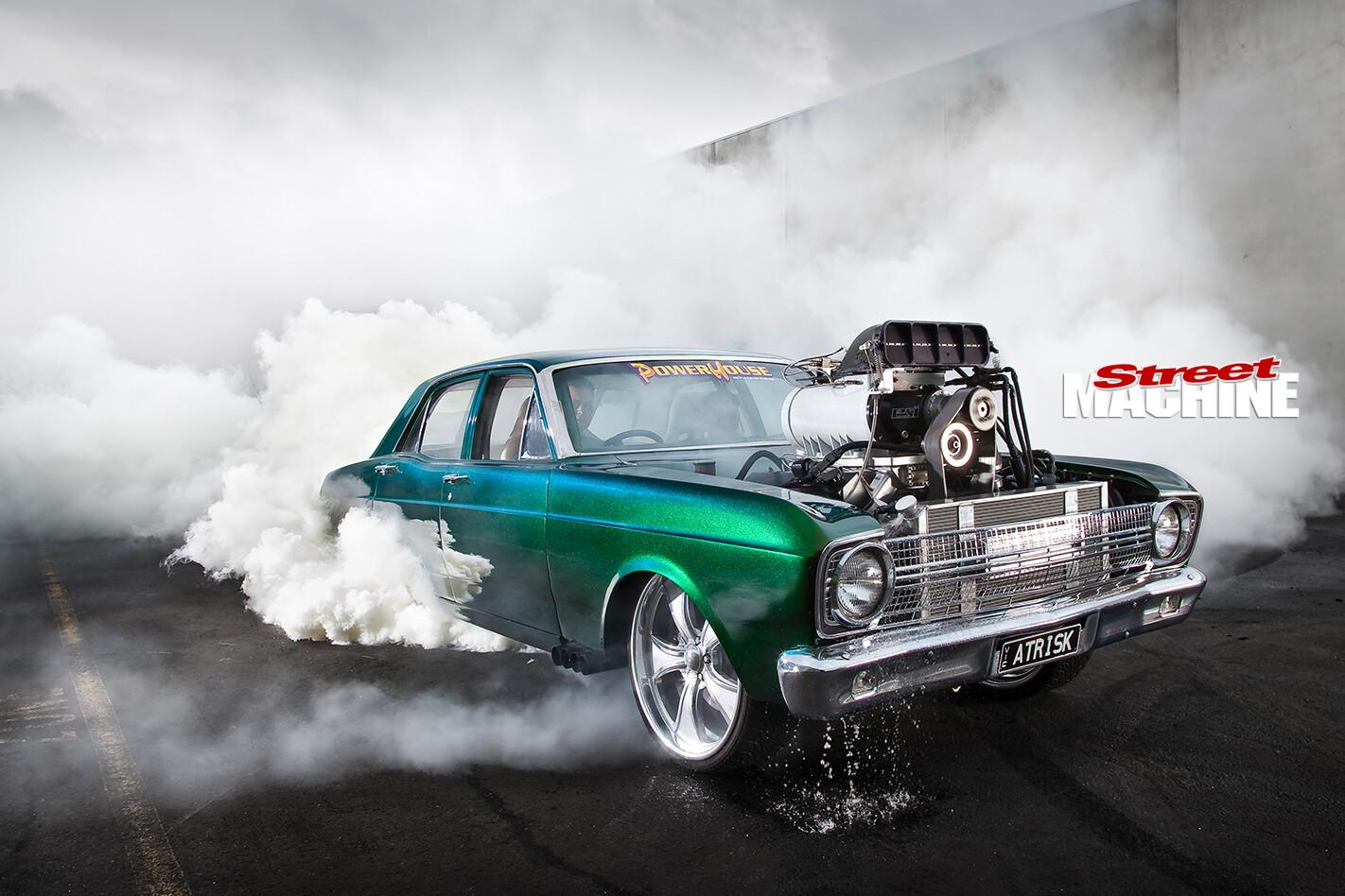Ford -Falcon -XR-atrisk -burnout