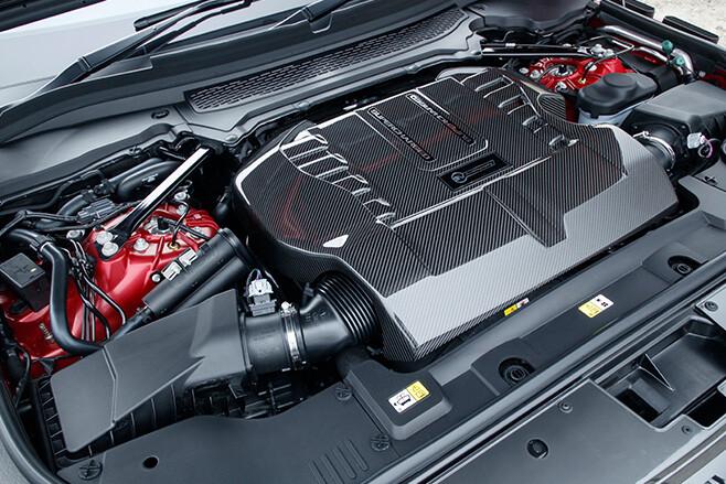 2017 Range Rover SVA Dynamic engine