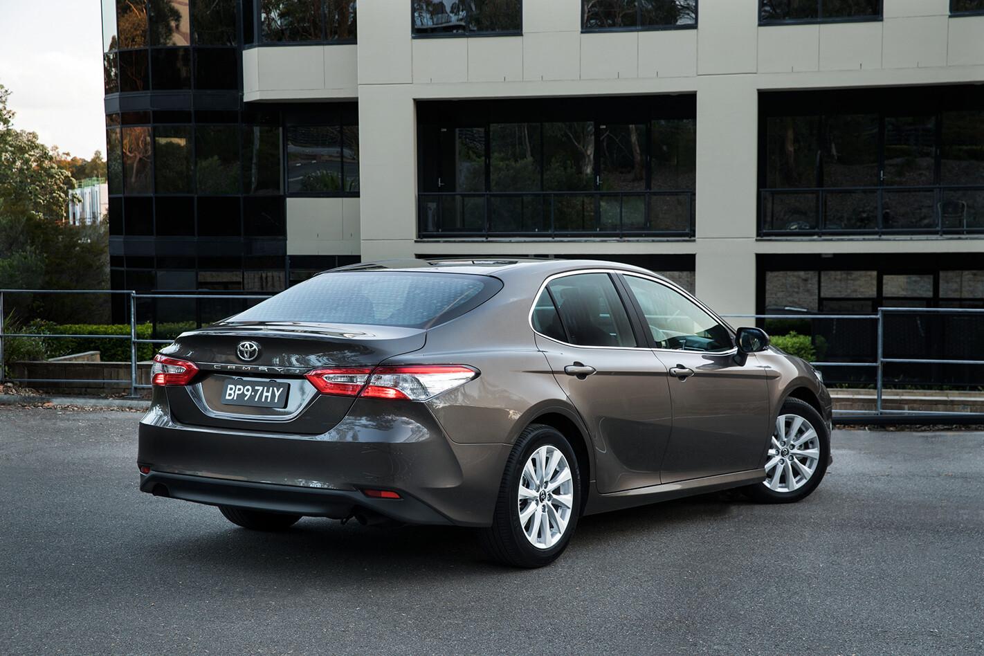 Toyota Camry Hybrid Ascent Rear Jpg