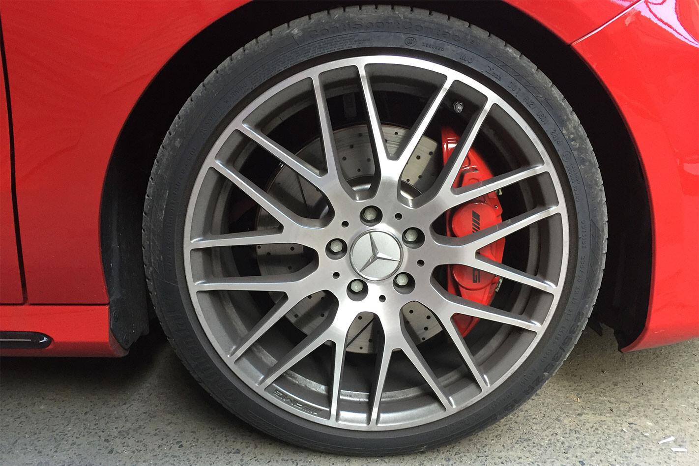 Mercedes -AMG-A45-brakes